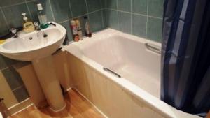 Prop4u19Seedhill-Bathroom-2-19th-July-16