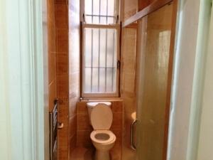 Prop4u80Niddrie-Bathroom-1st-sept-16