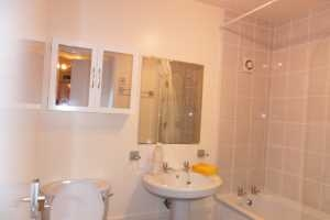 Stvin392-6-Bathroom