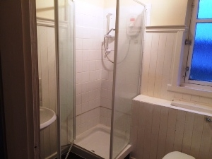 prop43457-6-Shower-room-19th-May-16