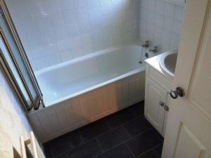 prop4u147-7-Bathroom-16th-Sept-15