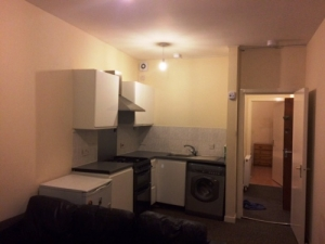 prop4u14Smithhill-5-Kitchen-area-17th-jan-17